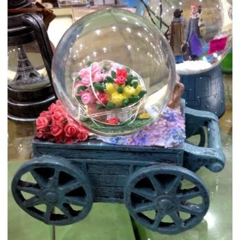 """Снежный музыкальный шар """"Тележка с цветами"""""""