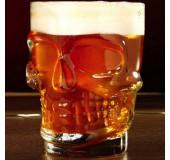Стеклянная пивная кружка в форме черепа