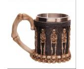 Необычная готическая кружка со скелетами