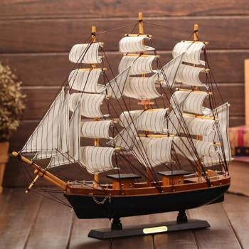 Деревянный сувенирный корабль Mediterranean